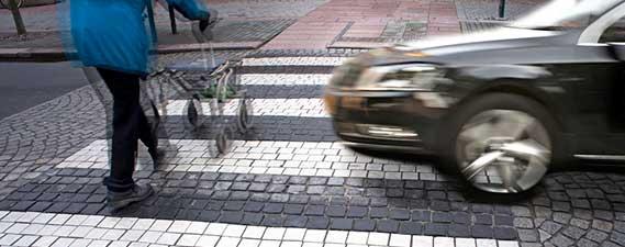 Pedestrian vs Automobile